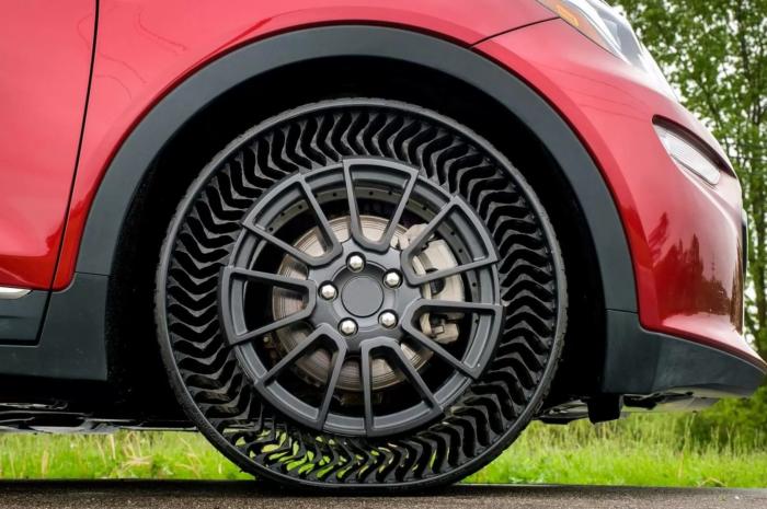 New Michelin See-Thru Tire – Is It Tweel?